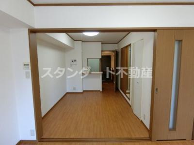 【居間・リビング】ノルデンタワー天神橋アネックス