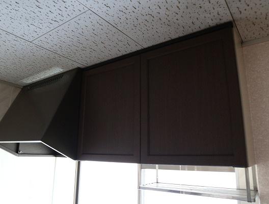 キッチンの上の収納です。