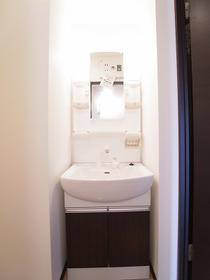 オリエンタルコート千葉中央Ⅱの独立洗面台