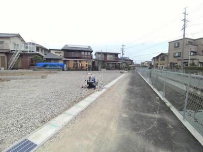 5月15日撮影 前面道路を含む現地写真