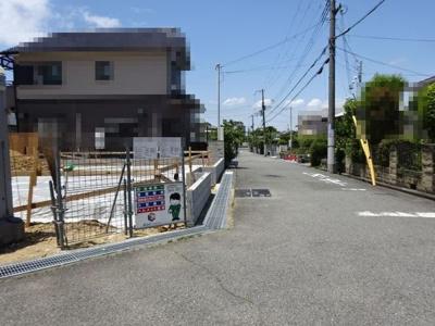 【前面道路含む現地写真】《》神戸市垂水区学が丘1丁目 2号棟 新築戸建