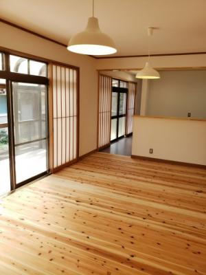 【居間・リビング】鳥取市青葉町3丁目中古戸建て