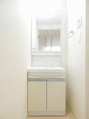 【独立洗面台】セオリー大阪ベイステージ