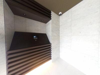 【エントランス】2020年築のレジュールアッシュシリーズ