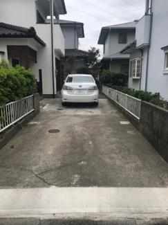 縦列で3台駐車可能