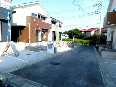 【前面道路含む現地写真】入間市高倉5丁目・全6棟 新築一戸建 1号棟