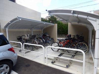 駐輪場です(屋根付き)