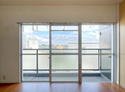 和室内は白で統一しております