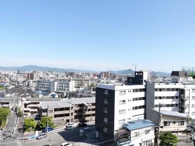 瀬戸の島々が広がるオーシャンビュー!斜め下には徒歩3分で登校できる人気の古田小学校が見えております。 現地からの眺望(2020年5月28日11:30頃)撮影