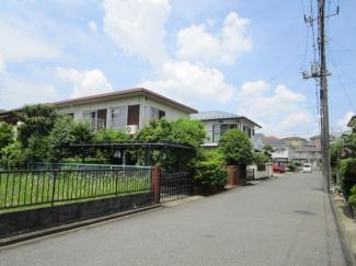 佐倉市六崎 中古一戸建て 佐倉駅 見通しの良い道路ですので、安心して駐車が可能です!
