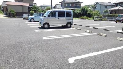 【駐車場】ベルサイユB棟