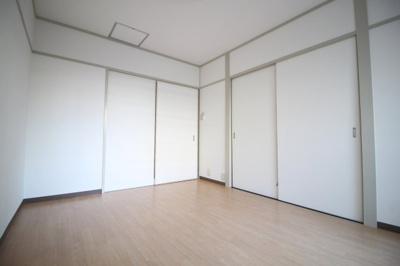 洋室6帖きれいな内装です♬
