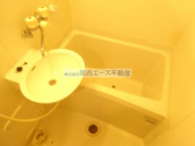 【浴室】レオパレスカナール