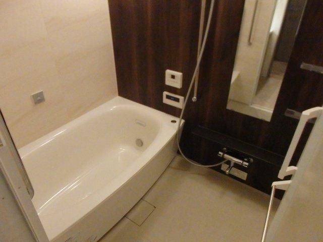 【浴室】プレサンスロジェ神戸ポートアイランド