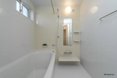 お風呂 追い焚き・浴室乾燥機付きです。一坪タイプで広々です。