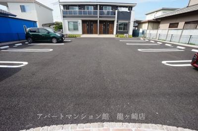 【駐車場】Renny village