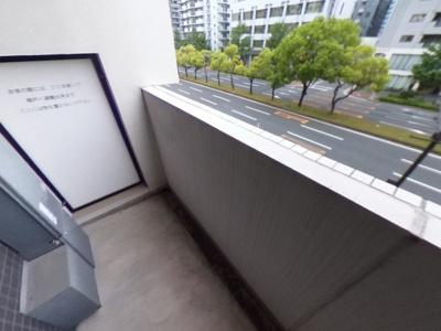 【バルコニー】豪華エントランスのデザイナーズレジデンス