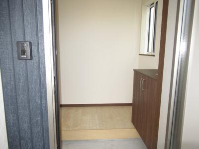 【玄関】清水5丁目・未入居中古住宅 月々40,569円~