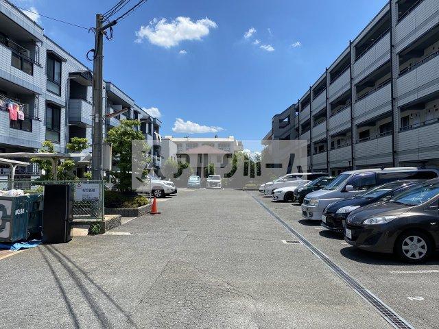 グランドゥール(八尾市太田) 駐車場