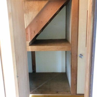階段下収納もあります