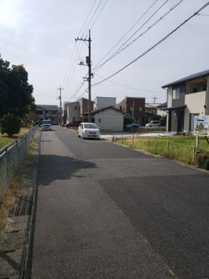 【前面道路含む現地写真】鳥取市緑ケ丘2丁目土地