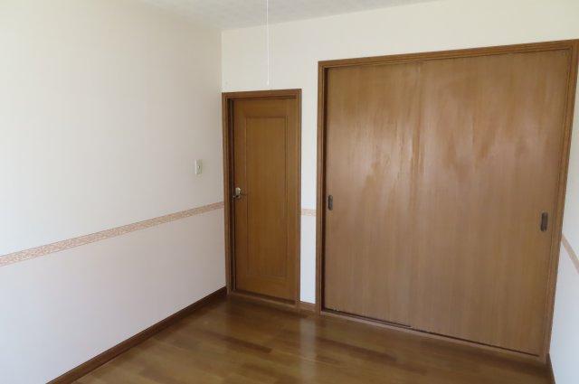 1階洋室の収納です。