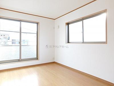 洋室6.5帖。子供部屋としても使い勝手の良いお部屋です