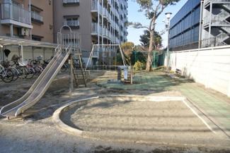 敷地内公園 トーア辰巳マンション