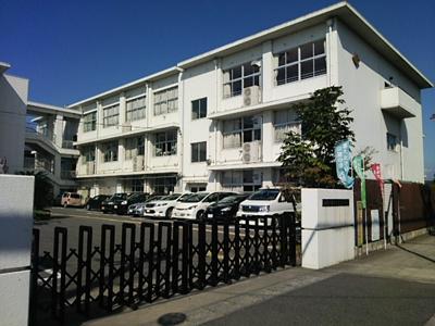 近江八幡市立安土小学校(664m)
