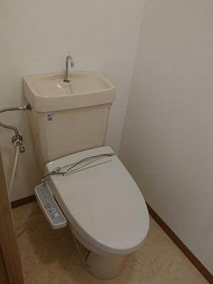 温水洗浄機付便座