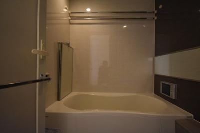 【浴室】閑静な住宅街に佇む高級マンション アパートメンツ三田