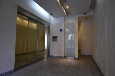 閑静な住宅街に佇む高級マンション アパートメンツ三田