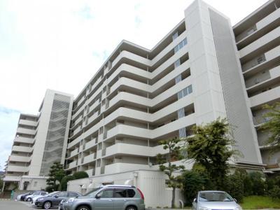 【現地写真】 総戸数163戸の大型マンションです♪