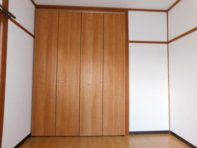 洋室の収納が大きいので収納力があります!