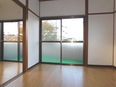角部屋で窓が多く明るいお部屋です。