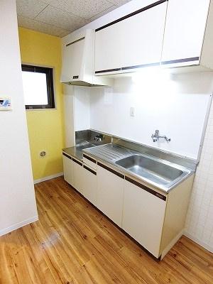 南東向き洋室6帖、窓側からの眺めです!子供部屋や書斎・寝室など多用途に使えそうなお部屋です♪