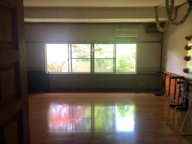 広々とした洋室です。北側のお部屋ではありますが、外からの光も十分入り落ち着いて時を過ごせます
