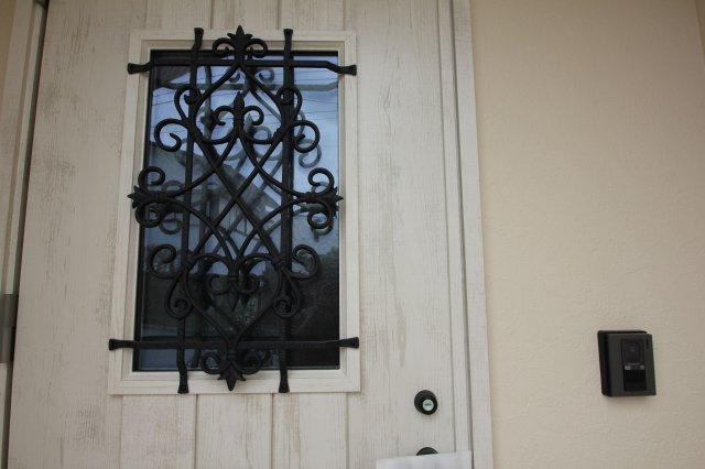 4号地の玄関ドアです。