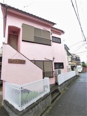 2沿線利用できる「日吉」駅より徒歩9分!コンビニも近くて便利な立地♪快適に過ごせる1フロア1住戸の2階建てアパートです♪