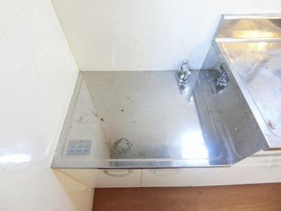 ガスコンロ設置可能のキッチンです☆ご自身でお好きなタイプのガスコンロをご用意いただけます!