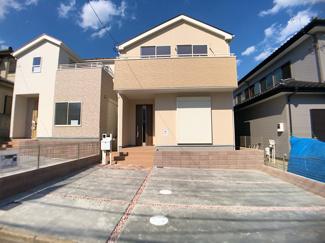 新京成線「鎌ヶ谷大仏」駅バス6分高野台5丁目停歩3分の全2棟の新築一戸建てです。