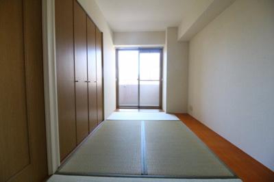 【寝室】ワコーレアベニュー山下町