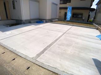 駐車スペースです。お役所の手続きや証明書の取得など徒歩15分に船橋市二宮出張所があり便利です。