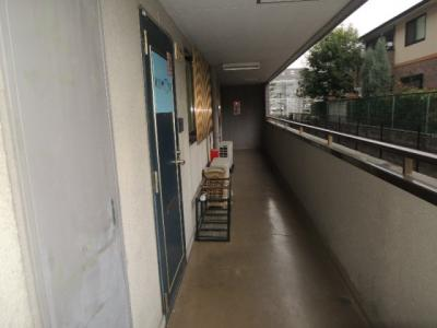 玄関前廊下