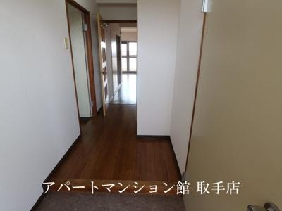 【玄関】ル・マ・デュ・キャルム