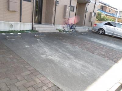 【駐車場】メゾンドゥブルージュ