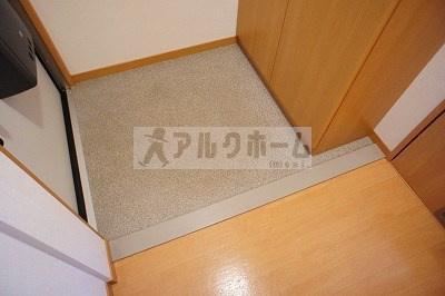ブエナアビテート(八尾市太田・八尾南駅) 玄関