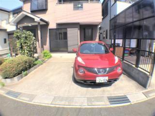 2台駐車可能の駐車場です