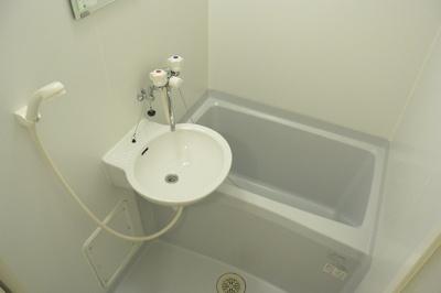 【浴室】レオパレスエーデルワイス天王寺