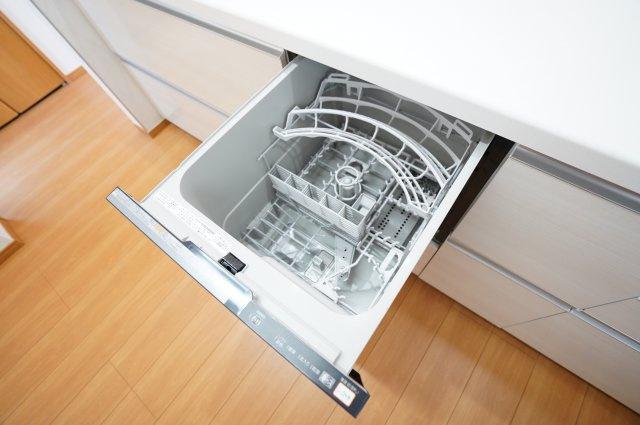 食洗機がついているのも魅力の一つです。時短になり冬場に手荒れがしてしまう主婦にも嬉しいですね。